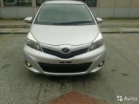 Toyota Vitz 2012 СЕРЕБРО