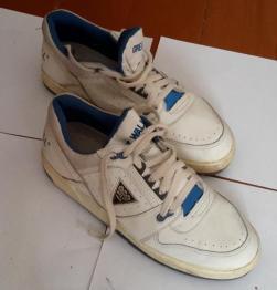 Кроссовки кожаные, размер 41
