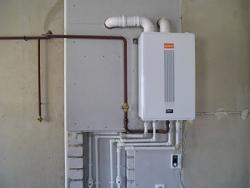 Монтаж: отопления,сантехники,канализаций, выполнение электро-сварочных работ.