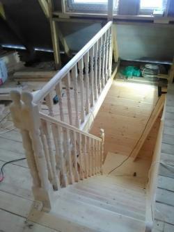 Деревянные лестницы от 10000 руб.