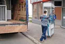 Помощь в переезде. Перевозка торгового оборудования, витрин, техники и мебели по Харькову