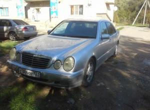 Mercedes-Benz E 2000
