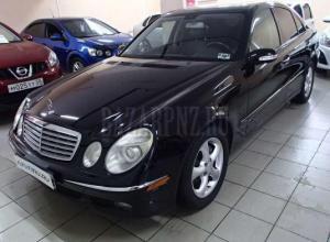 Mercedes-Benz E 2006